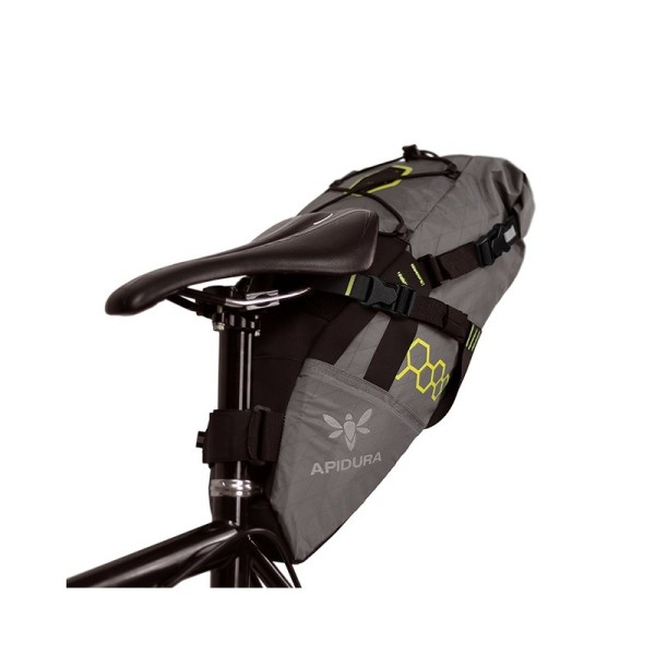sacoche-de-selle-bikepacking-apidura-backcountry-11-a-17-l